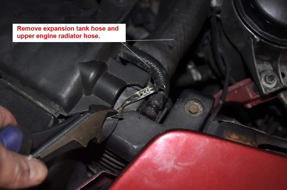BMW E31 coolant system - remove upper radiator hose