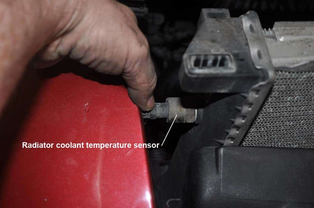 BMW E31 coolant system - disconnect radiator fan switch