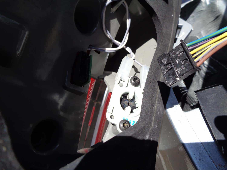 Trunk Leak / Tail Light Leak Diagnoses and Repair - BMW E90