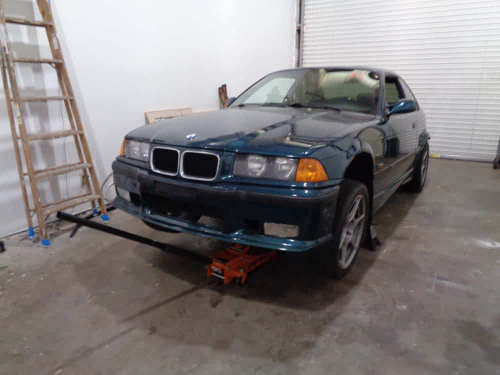 BMW Jacking and Supporting for Repairs and Maintenance - BMW