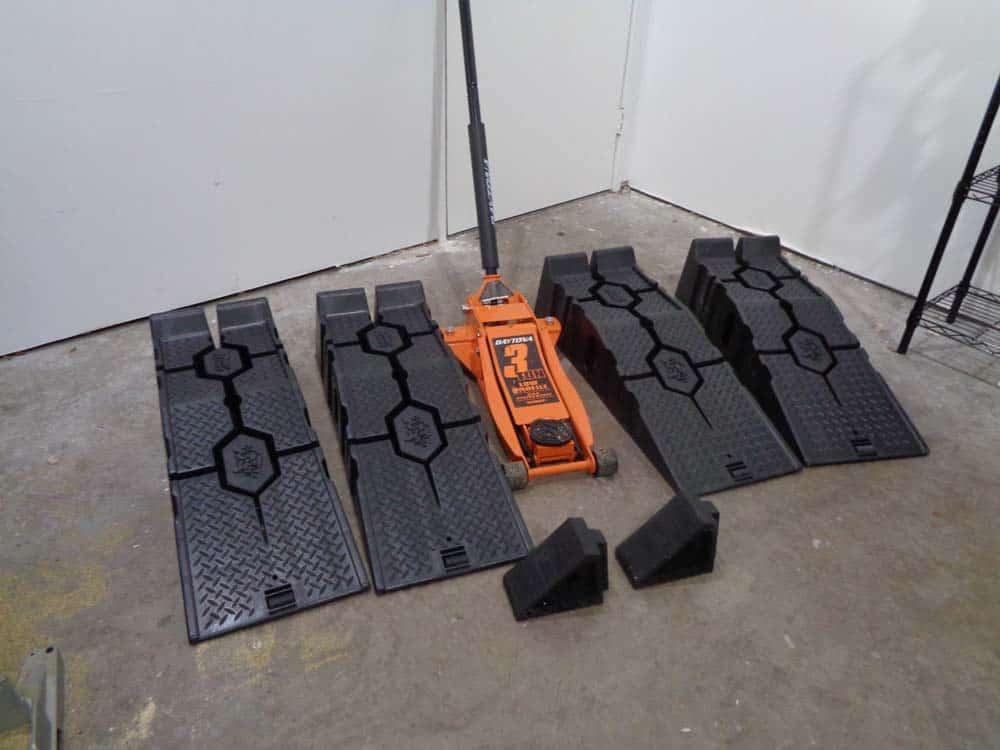 """The proper equipment needed for """"Four Corner"""" method"""