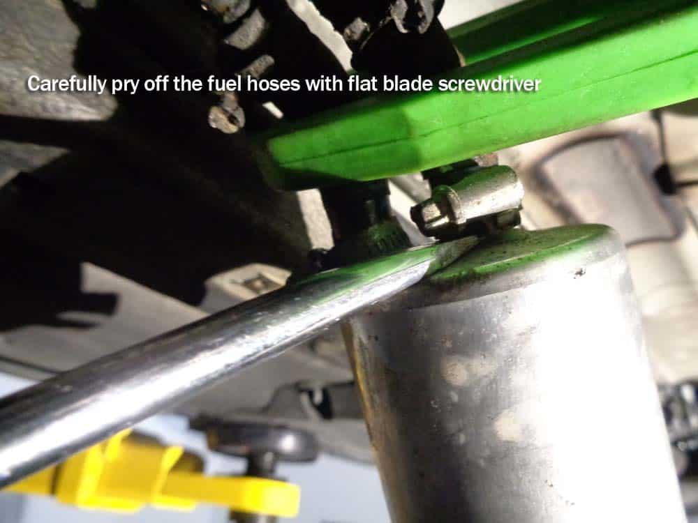 bmw E46 fuel filter - remove the rear fuel hose(s)