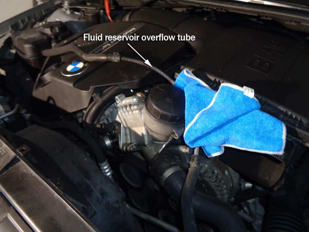 BMW E90 radiator - relocate the coolant expansion tank overflow tube