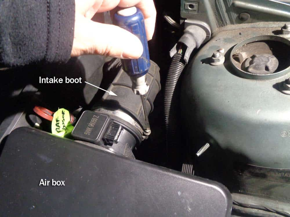 Disconnect intake boot