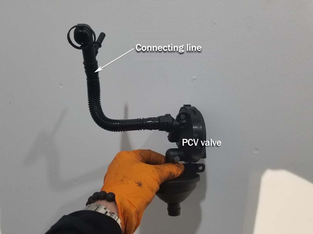 bmw e46 pcv valve replacement - Attach the connecting line to the new pcv valve