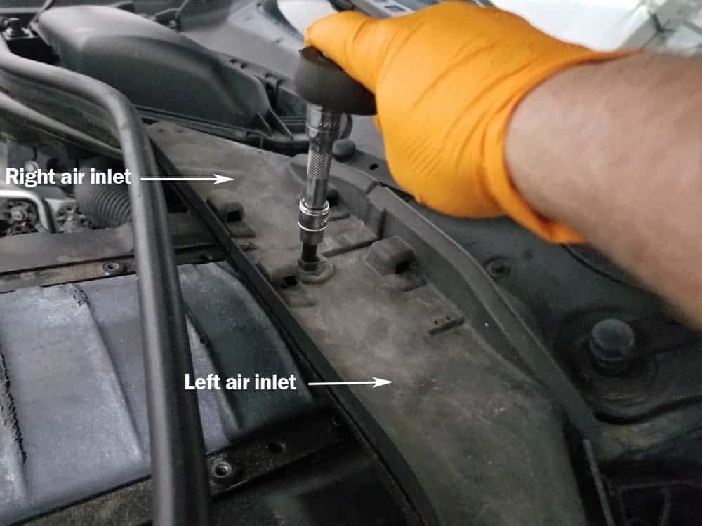 BMW E60 valve cover gasket replacement - remove air inlets