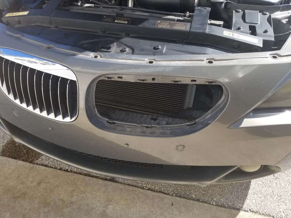 bmw 645ci grille replacement - Grille successfully removed