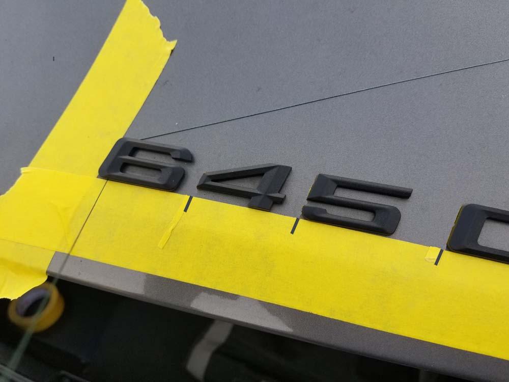 bmw trunk emblem