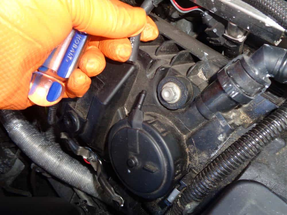 Remove the vacuum line from the cap.