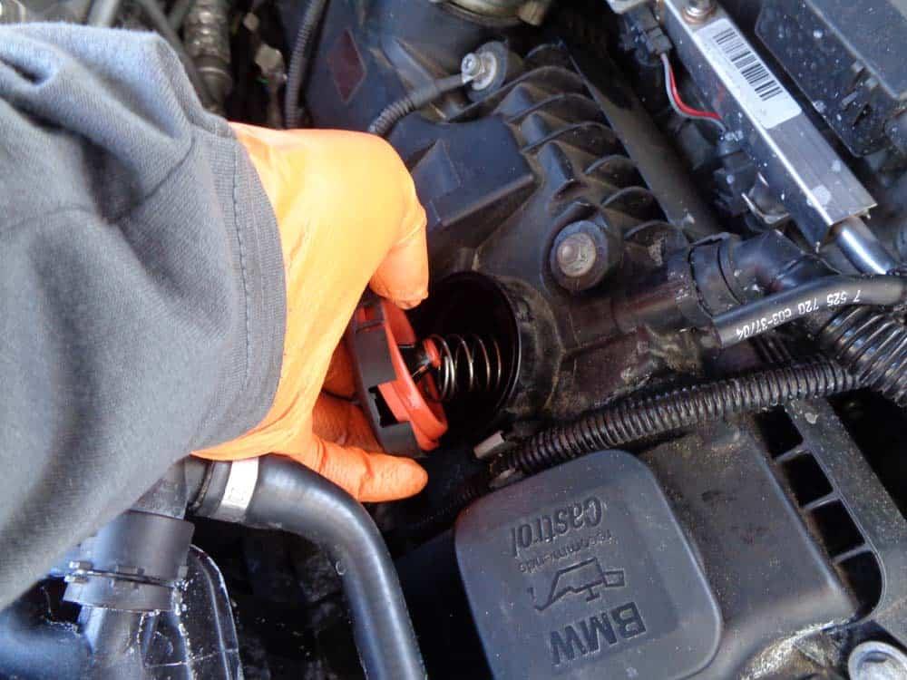 n62 oil check valve