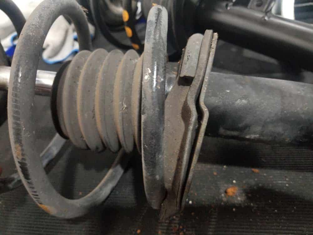 spring pad alignment bottom