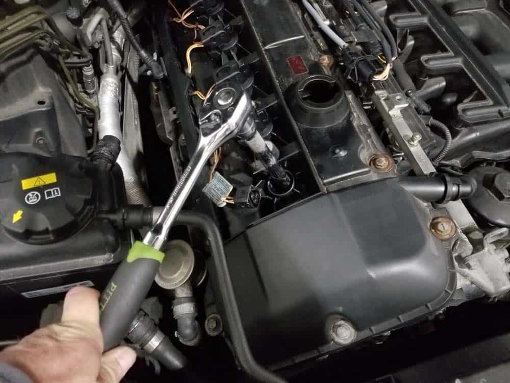 bmw <span class='hiddenSpellError wpgc-spelling' style='background: #FFC0C0;'>E60</span> spark plug removal