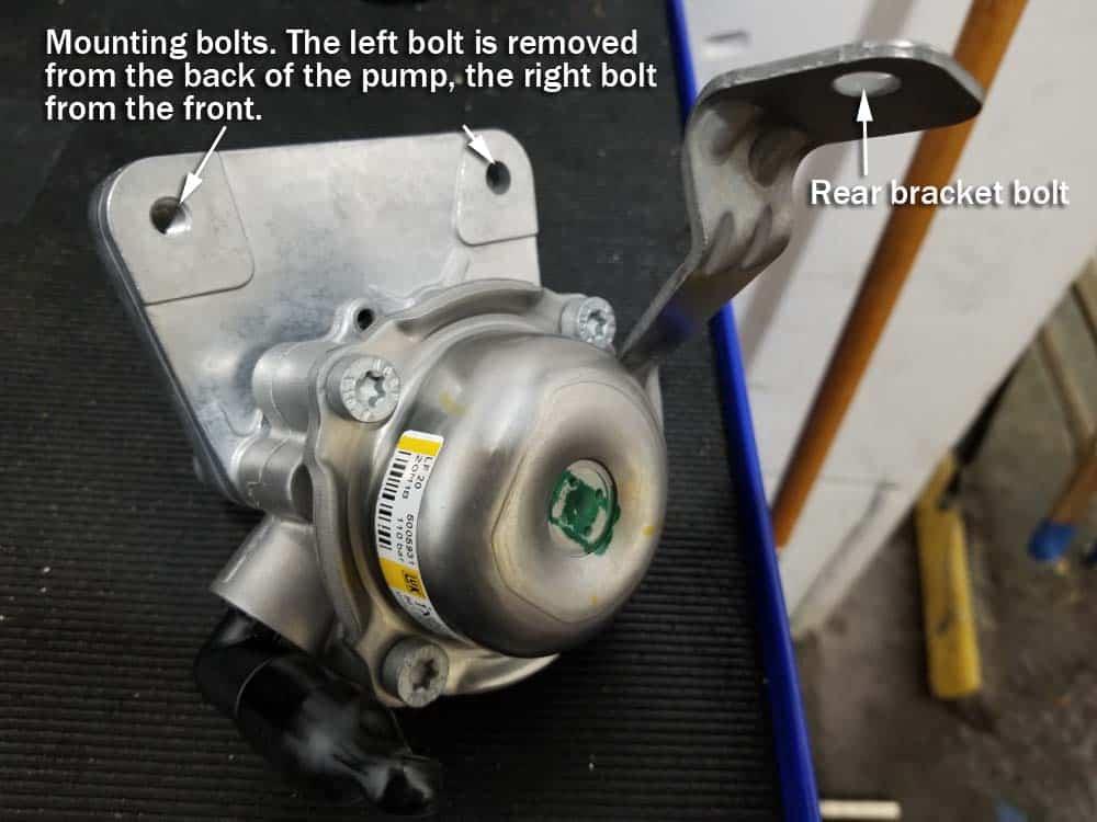 bmw e46 power steering pump - new pump bolt locations