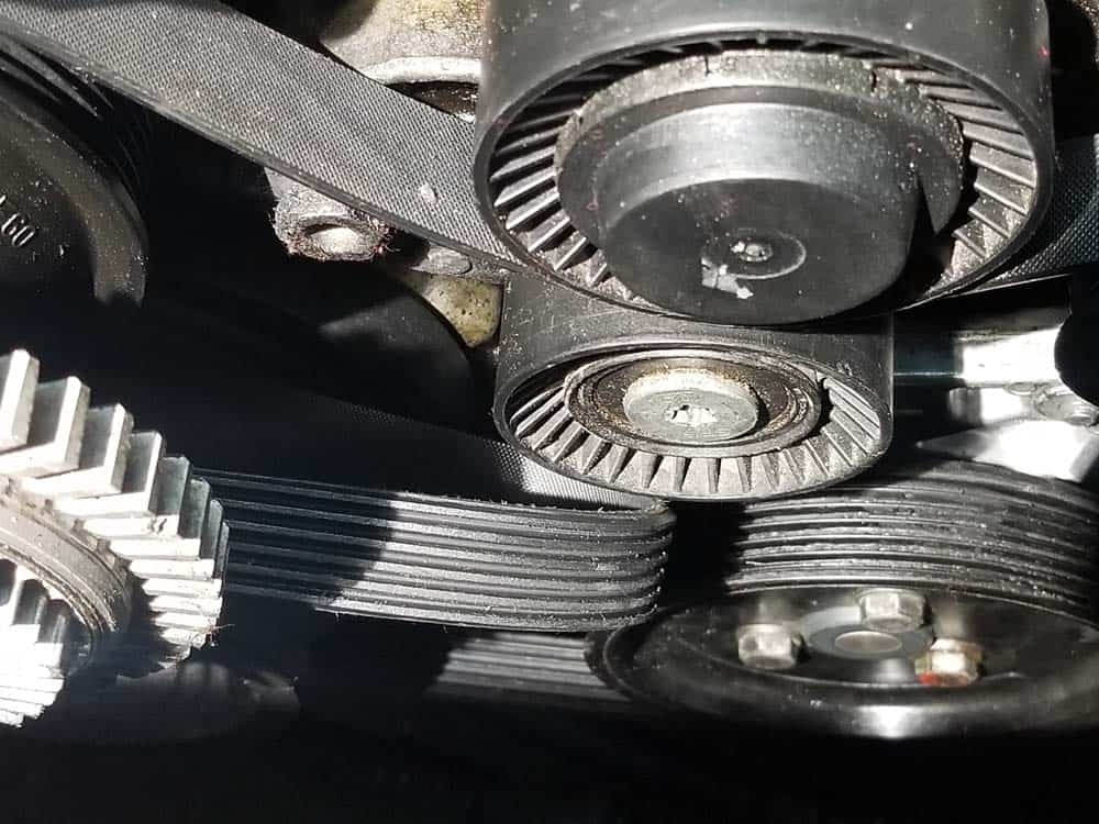 BMW E46 Belt Replacement - Remove the belt from the tensioner pulley