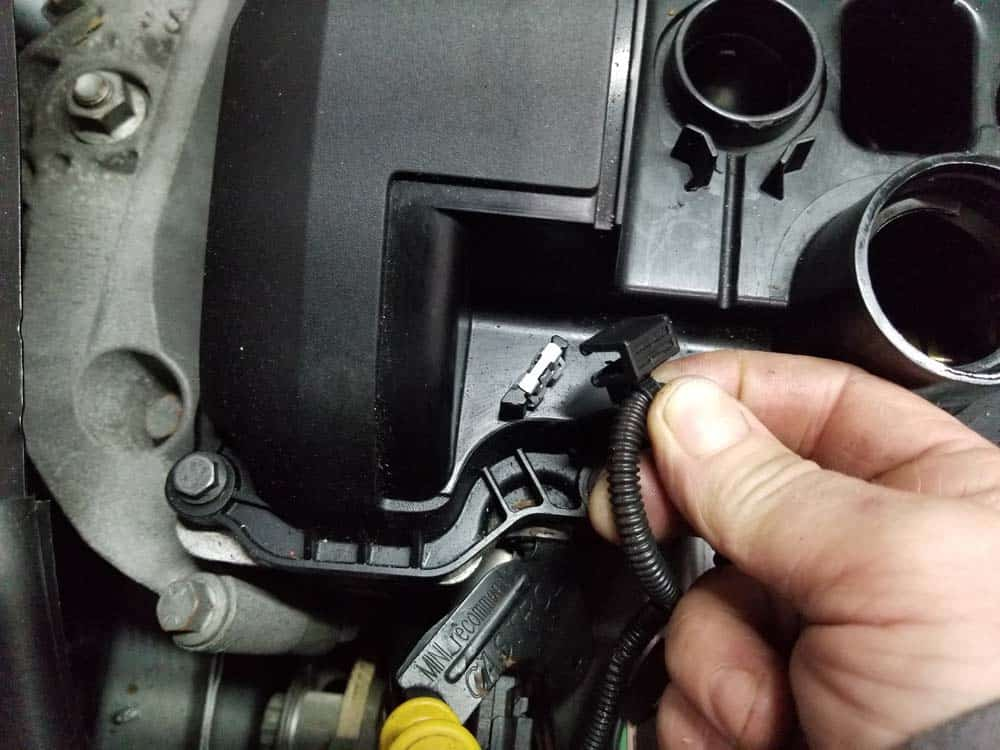 MINI r56 valve cover gasket replacement - remove wiring harness