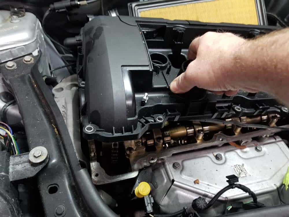 MINI r56 valve cover gasket replacement - remove valve cover from engine