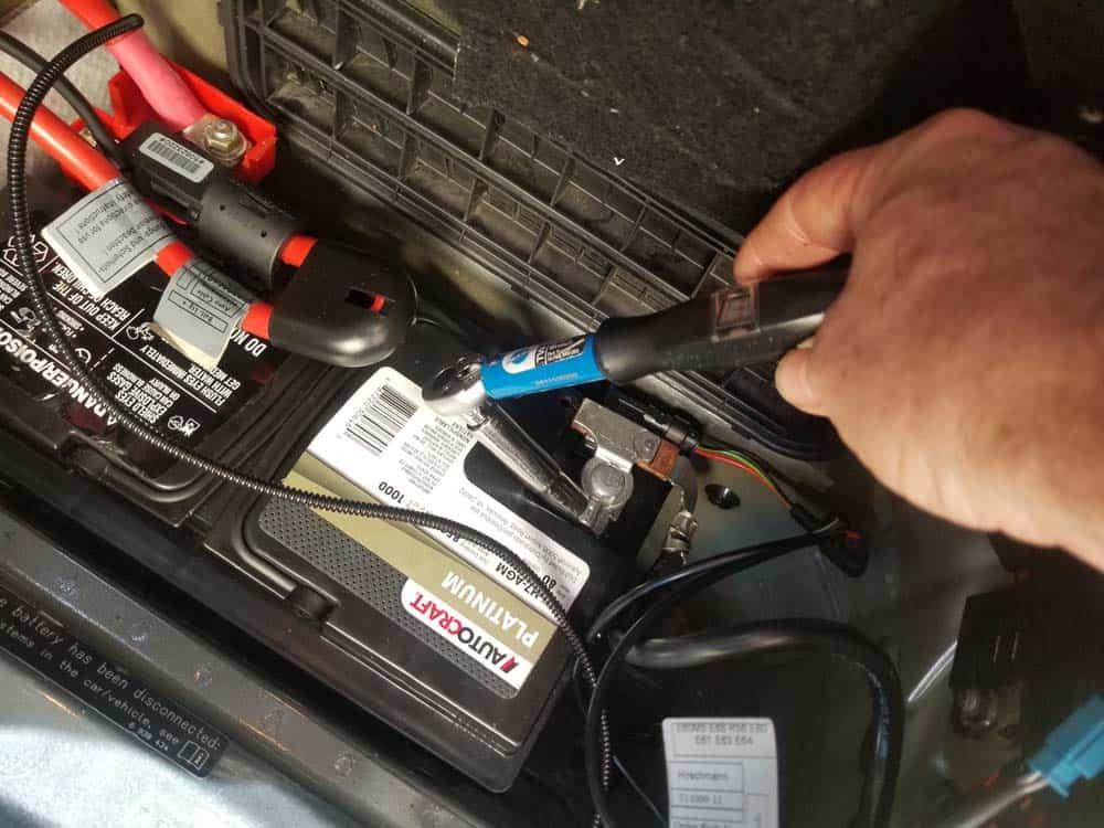 Torque the battery sensor nut to 5 Nm