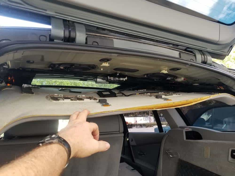 bmw e61 trunk leak - drop the rear of the headliner