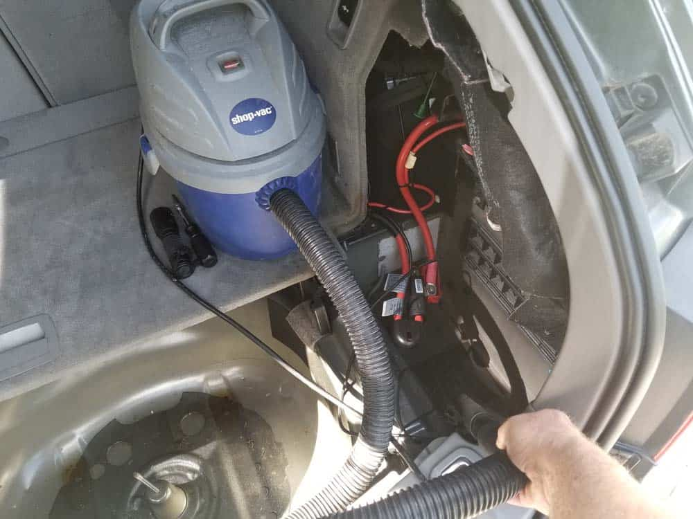 bmw e61 trunk leak - vacuum out all standing water