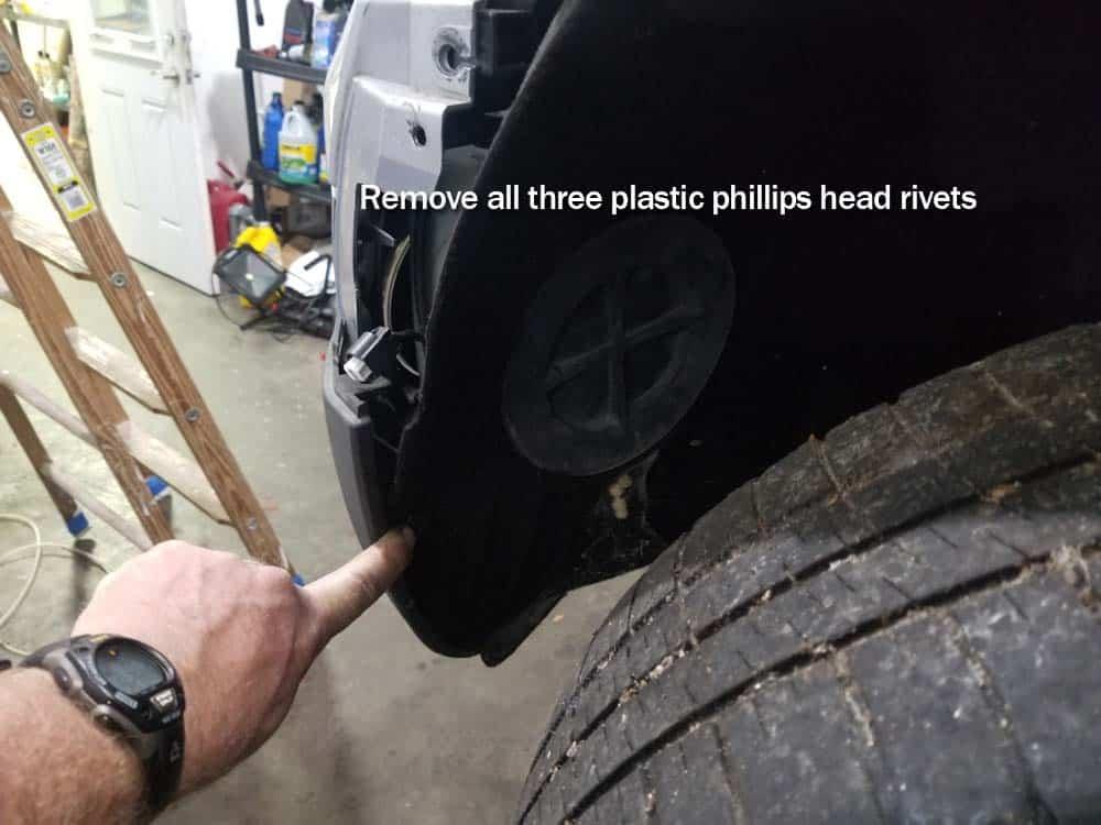 MINI R56 service position - remove plastic rivets