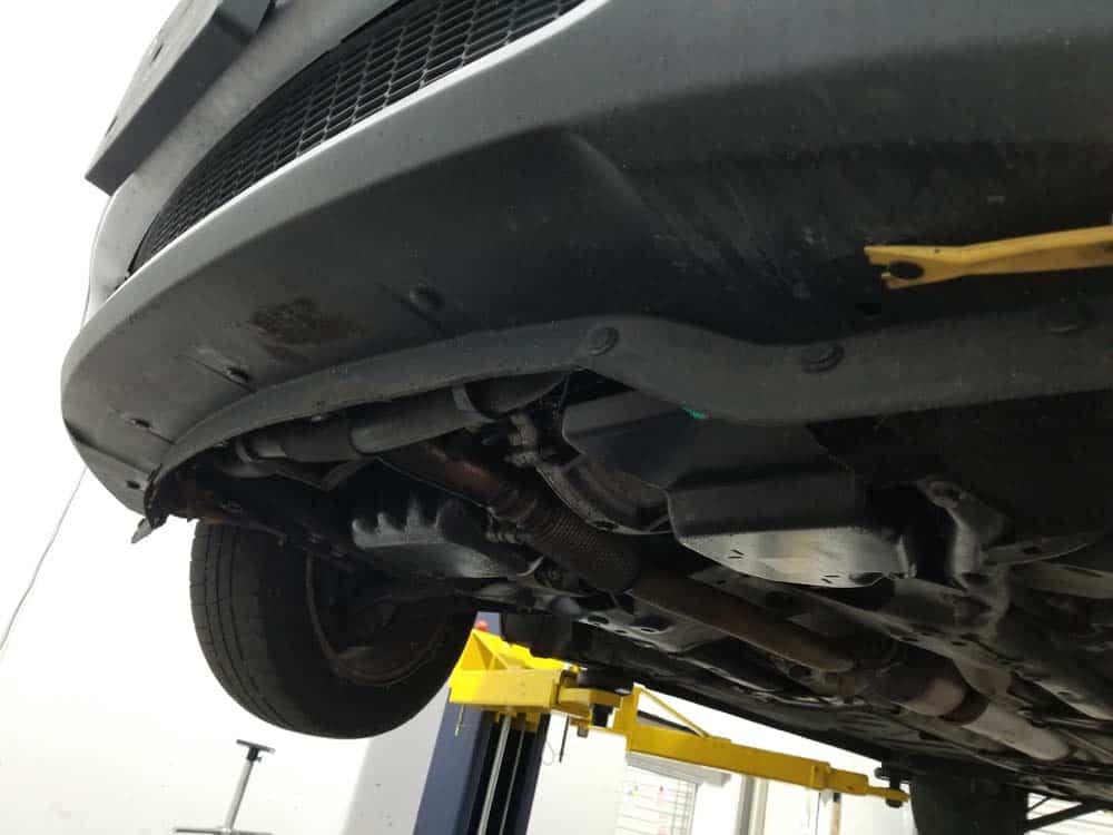MINI R56 service position - remove bumper cover rivets