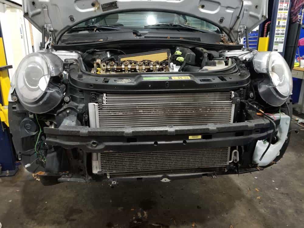 MINI R56 service position - remove bumper