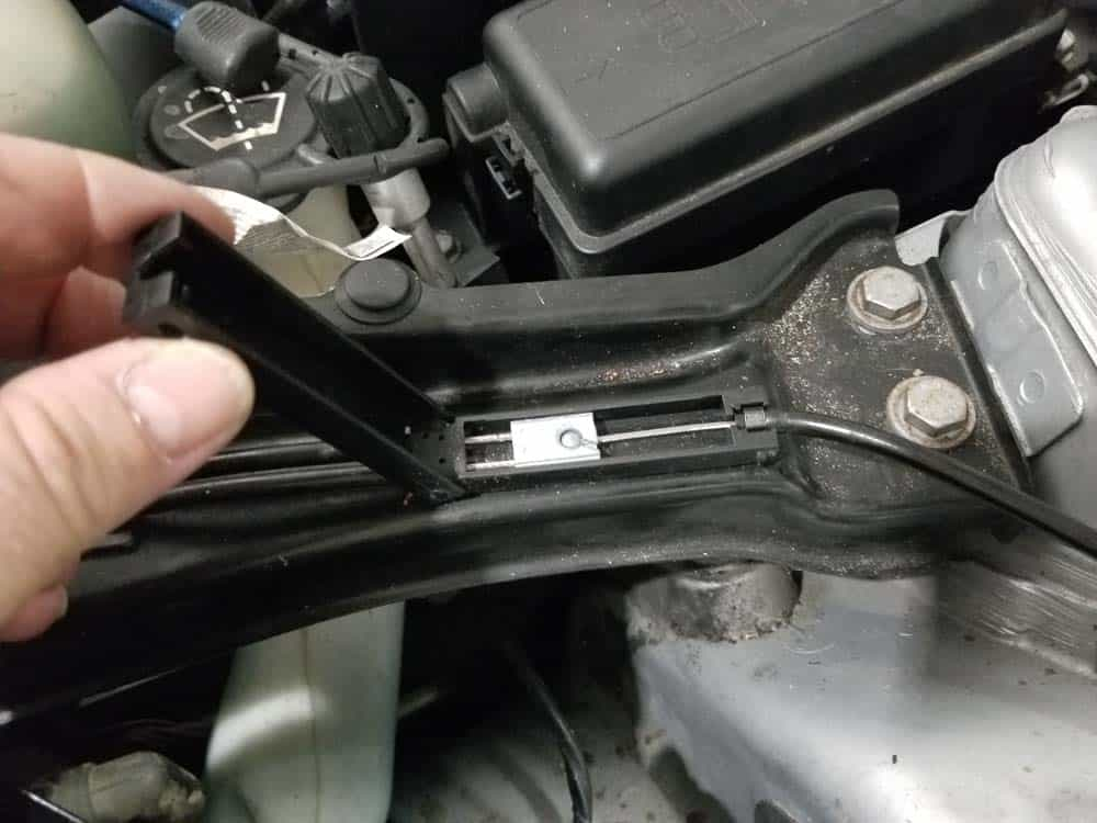 MINI R56 service position - disconnect hood release cable