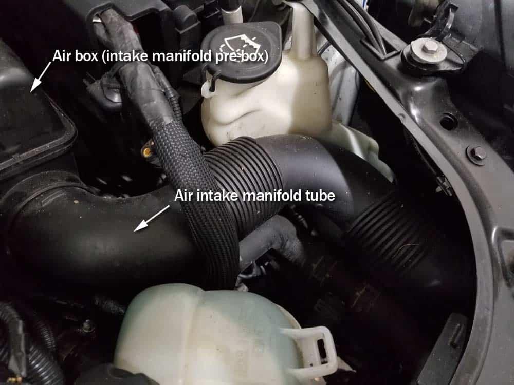 MINI R56 service position - air intake manifold tube