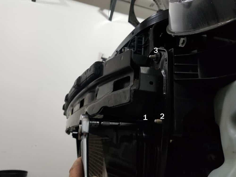 MINI R56 service position - remove bumper support nuts
