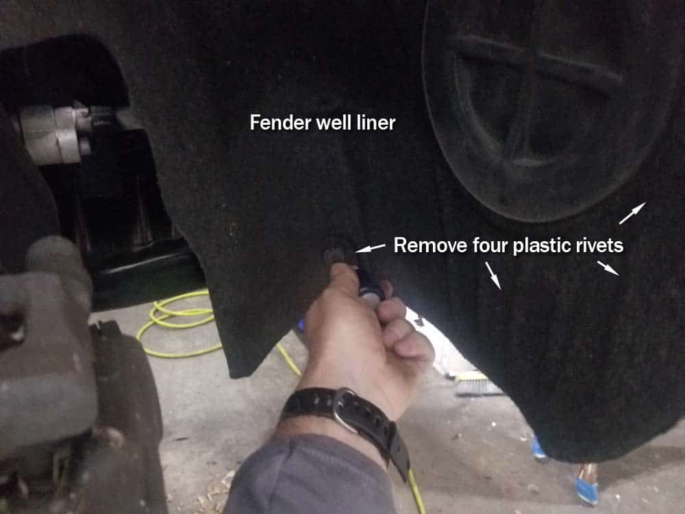 MINI R56 friction wheel replacement - remove fender liner rivets