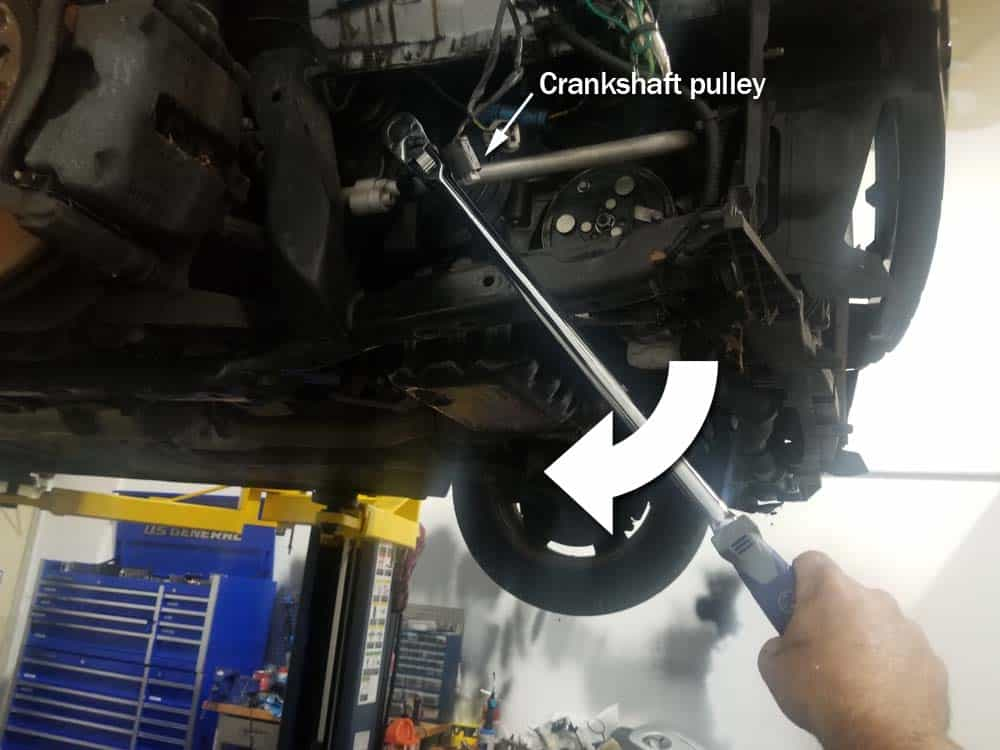 MINI R56 engine timing calibration - turn crankshaft with an 18mm socket