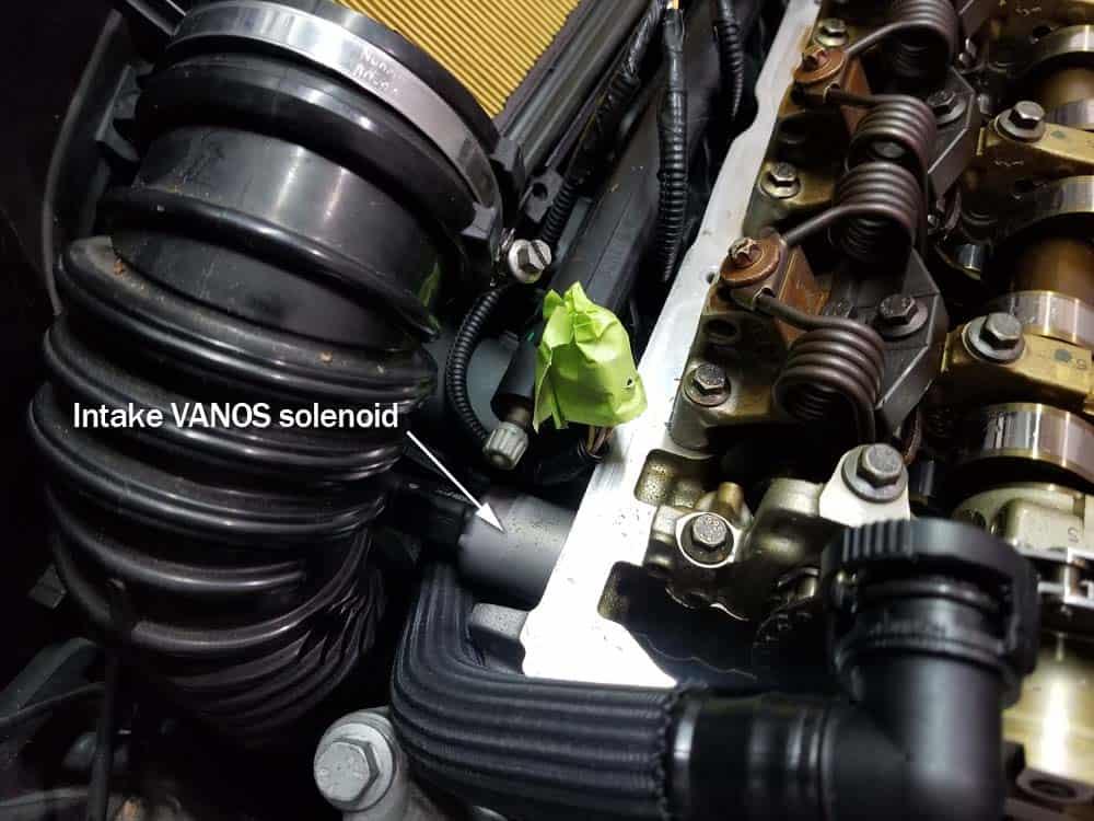 MINI R56 timing chain replacement - intake VANOS solenoid