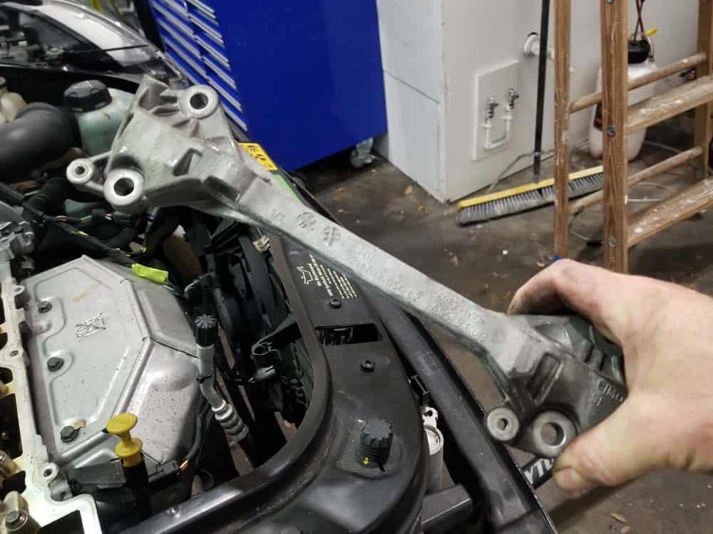MINI R56 timing chain replacement - alternator wiring bracket