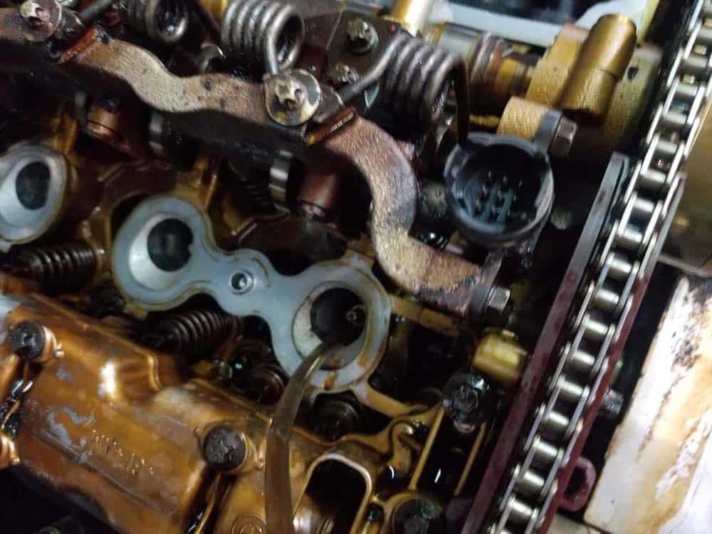 BMW E60 valve cover repair