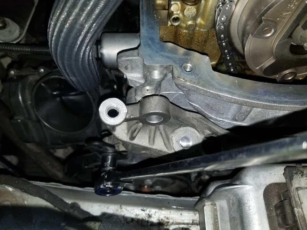 MINI R56 timing chain replacement - reattach alternator wiring bracket