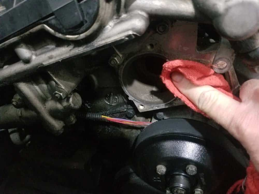 bmw e46 thermostat - thoroughly clean the engine where the thermostat mounts.