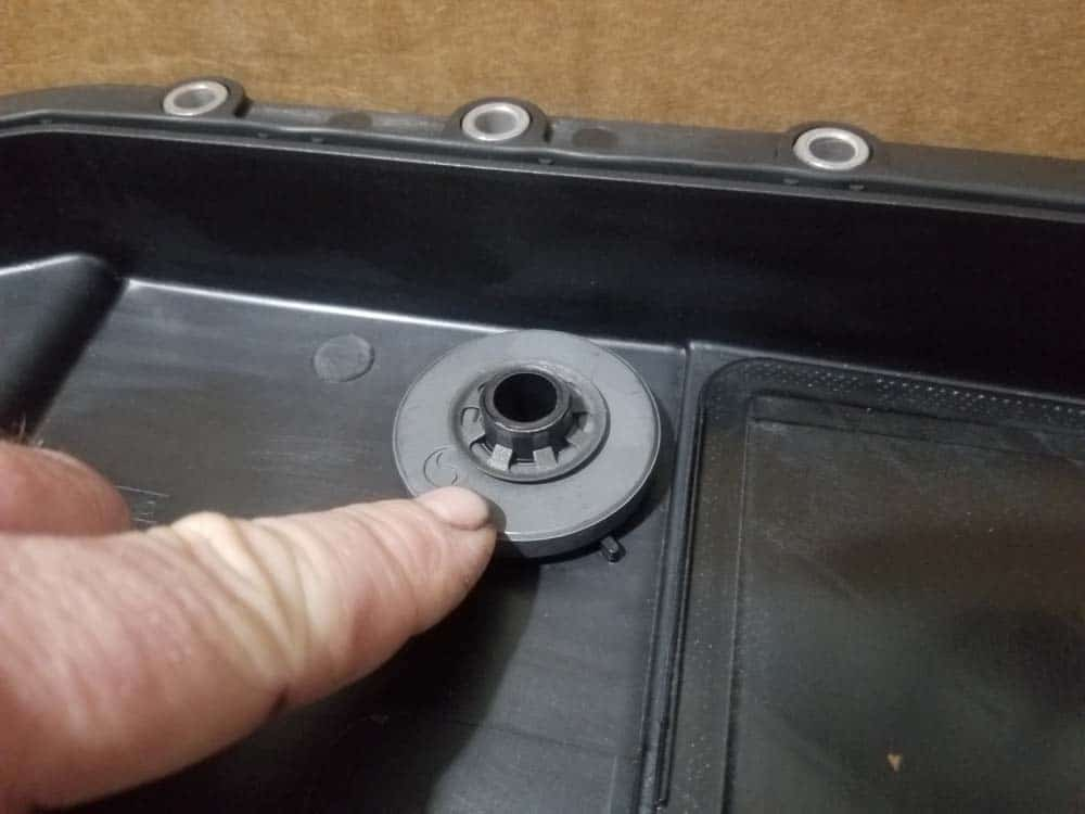 BMW E60 transmission service - Verify the magnets are installed