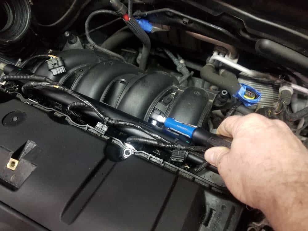 MINI R56 intake gasket repair - Reinstall the fuel rail mounting bolts and torque to 8 Nm (6 ft-lb).