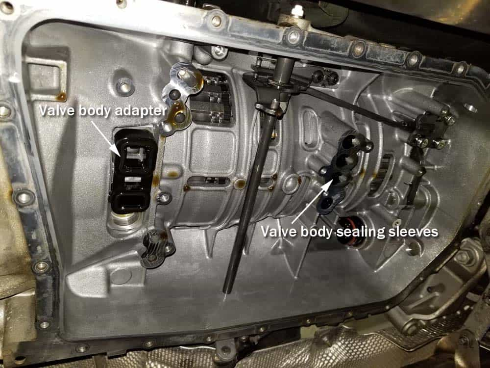 BMW mechatronics sealing sleeve and adapter replacement - Identify the valve body and valve body adapter.sealing sleeves and v