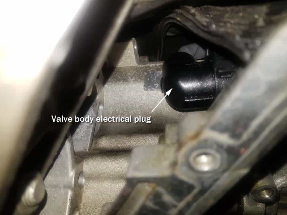Valve body electrical plug