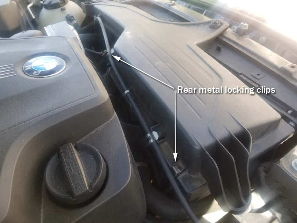 bmw f30 air filter replacement - The two rear locking clips