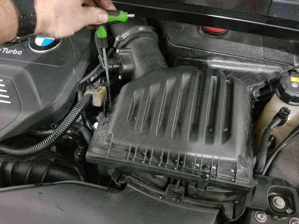 Remove the T30 torx screws