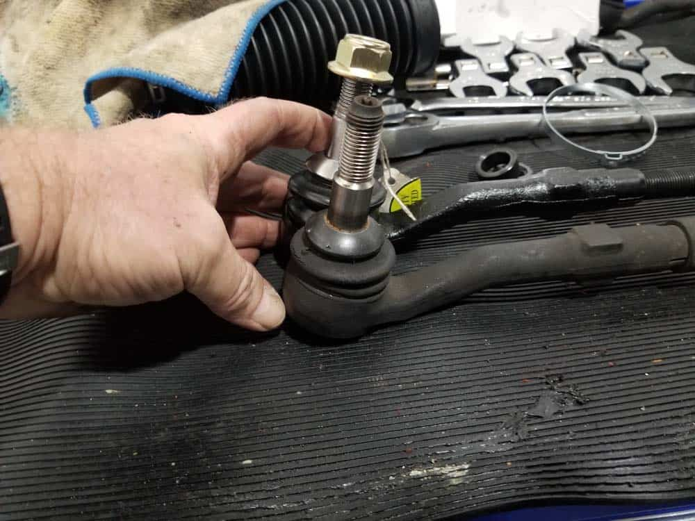 bmw e63 tie rod replacement - Line up the center line of the outer ball joints