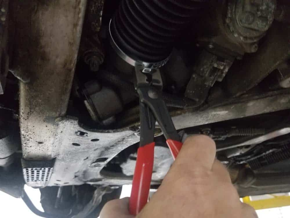 bmw e63 tie rod replacement - Use a pair of hose clamp pliers to tighten the inner hose clamp to the steering rack