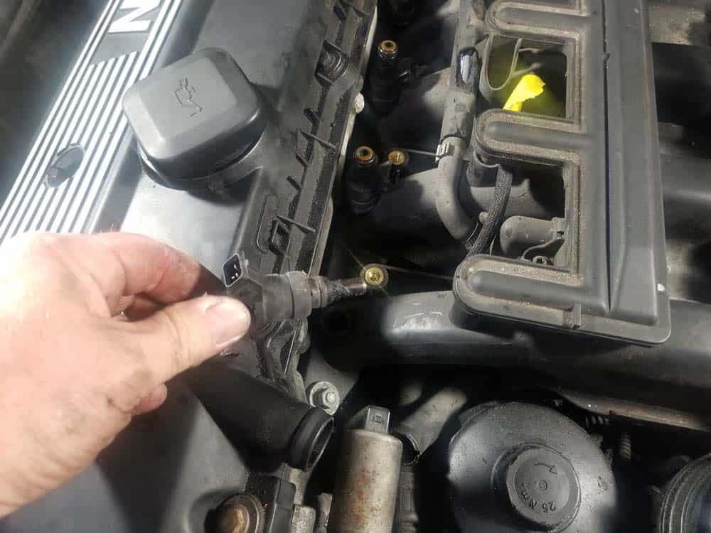 bmw e46 fuel injector replacement - Pull the injectors from the intake manifold