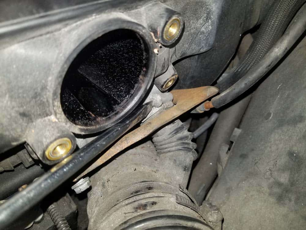 bmw m52 intake manifold removal - Remove the intake boot from the idle control valve