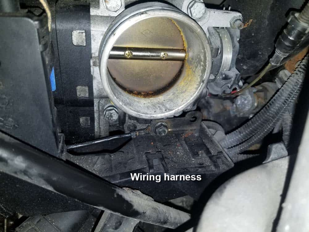 The intake manifold wiring harness