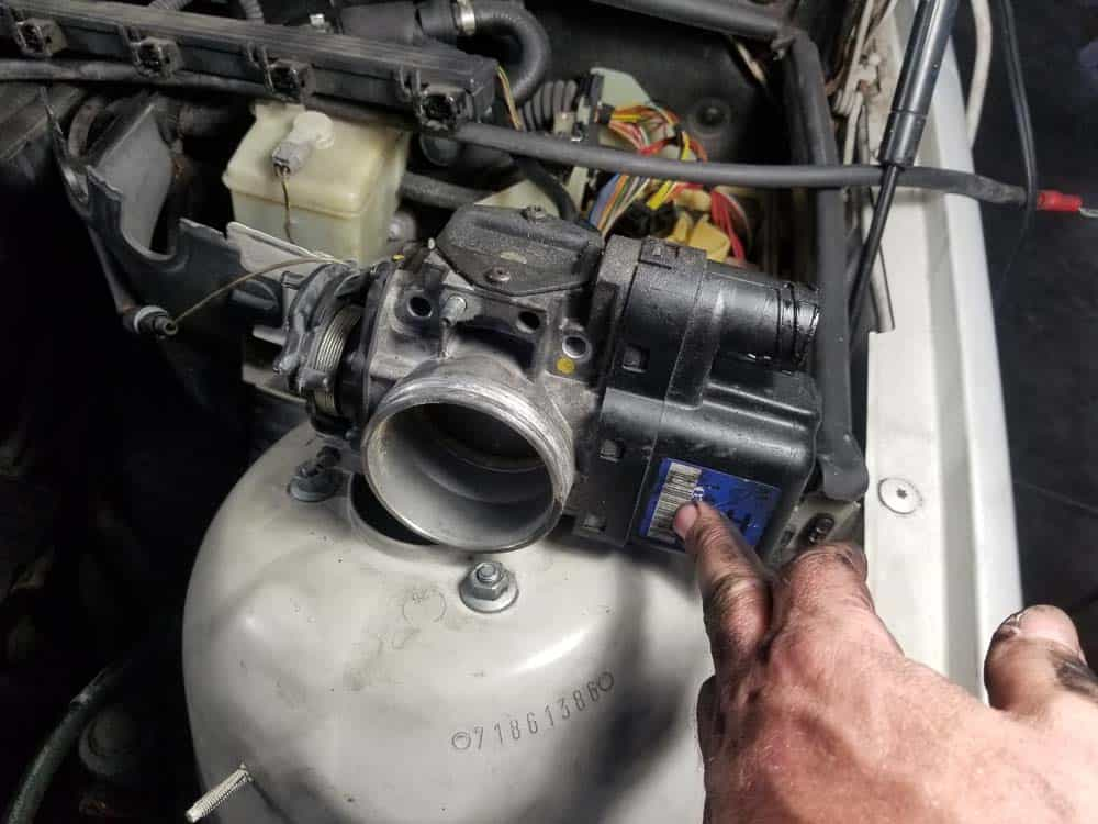 bmw m52 intake manifold removal - You do not need to disconnect the throttle cable (M52 engines)