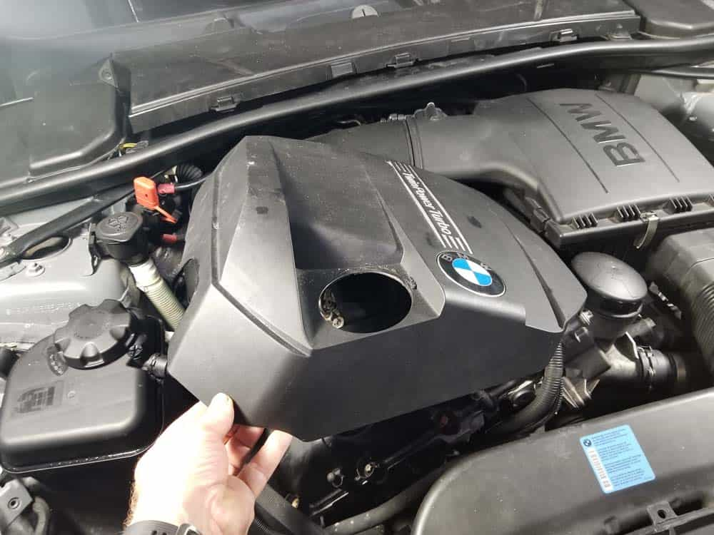 bmw n55 valve cover gasket replacement - Remove the engine cover