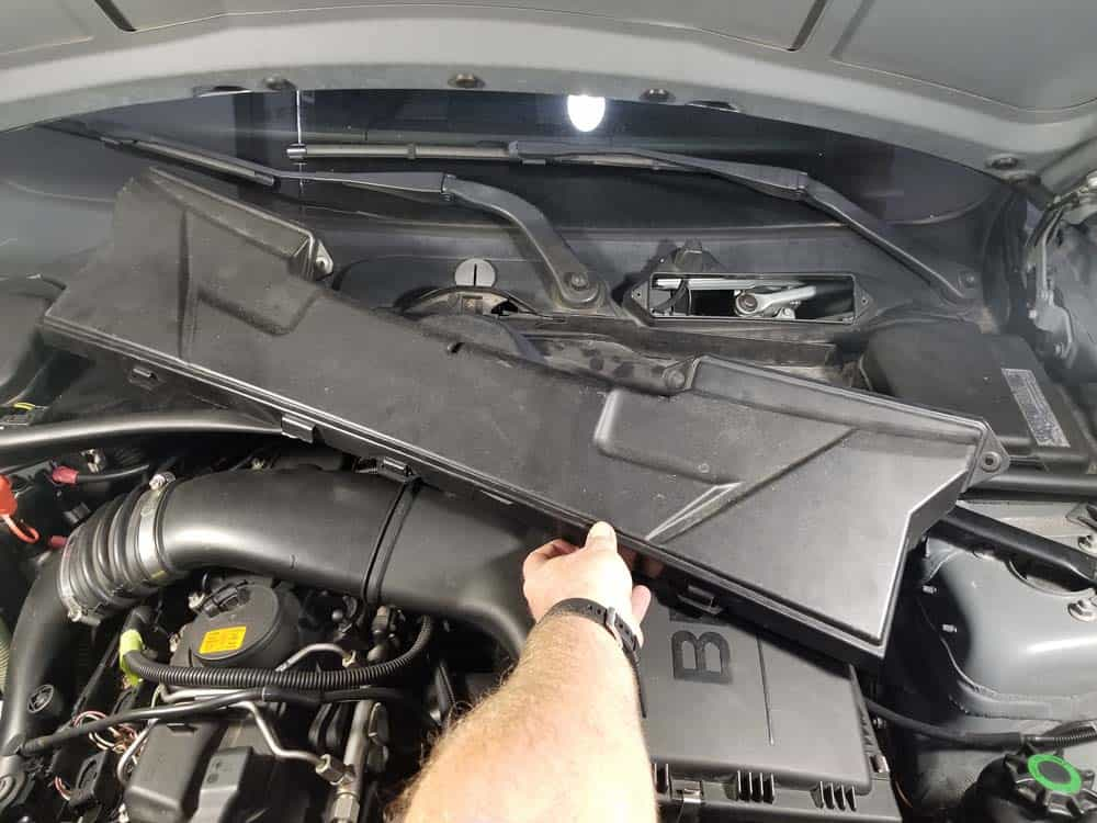 bmw n55 valve cover gasket replacement - Remove the upper cabin filter housing